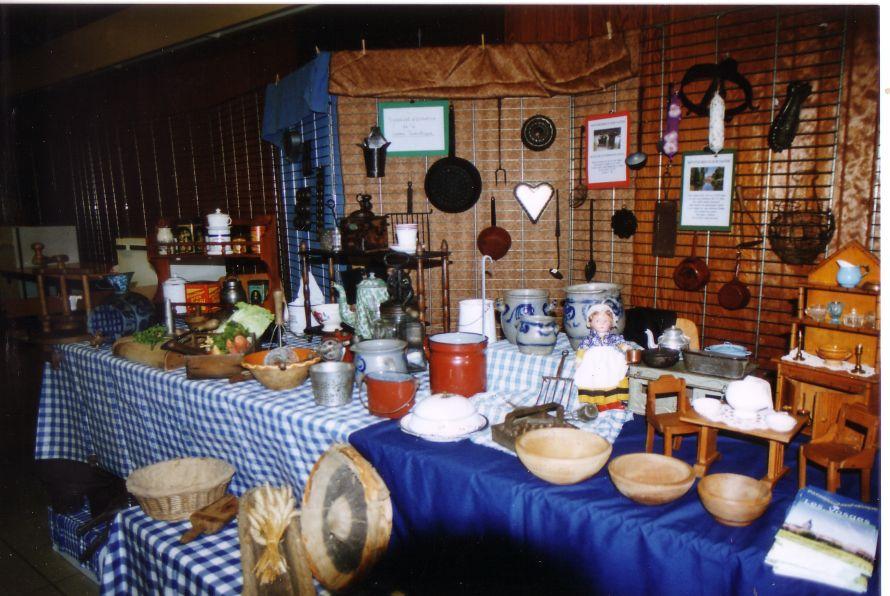 Ustensiles de cuisine anciens homeinterior for Ustensile cuisine design